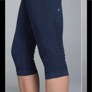 Lululemon In The Flow crop II heather navy legging
